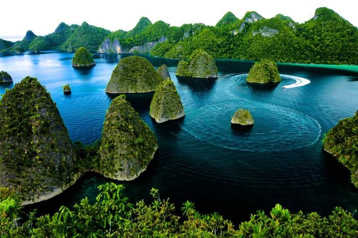 wayag-Raja Ampat Indonesia