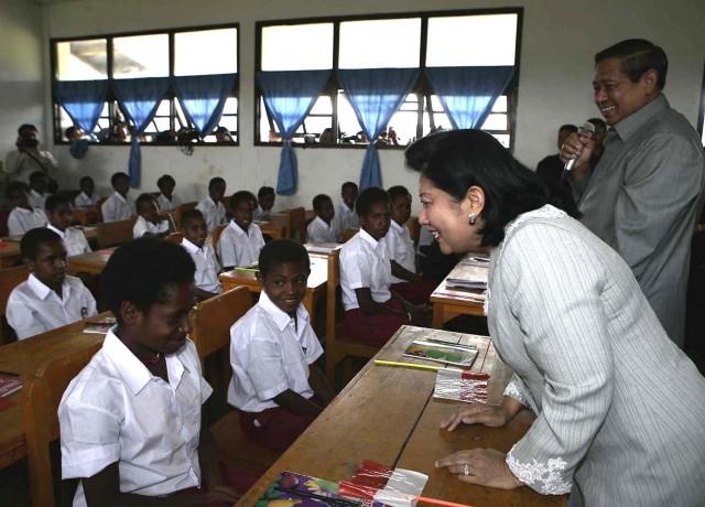 sekolah-dasar-papua-indonesia